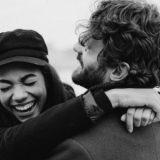 Mehr Charisma: 9 simple Tipps für Männer, um einen außerordentlichen Eindruck zu hinterlassen