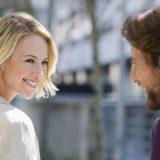 """Frauen auf der Straße ansprechen: Vom """"Hi"""" zum Date in 5 Schritten"""