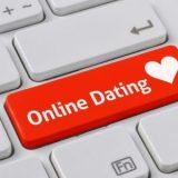 Online Dating: 10 geniale Tipps, mit denen du sie schon vor eurem Treffen verrückt nach dir machst