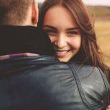 Das Interesse einer Frau behalten: Mit diesen 3 bahnbrechenden Tipps gelingt es dir