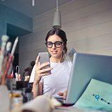 Frauen Chat: 7 unverzichtbare Tipps für mehr Erfolg auf WhatsApp, Tinder, Lovoo & Co.